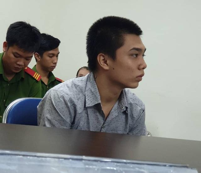 Sát hại sinh viên chạy Grab để cướp xe chiều lòng bạn gái, thiếu niên 15 tuổi đối diện 12 năm tù - 1