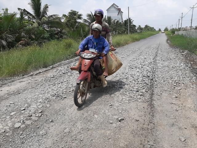 Ngán ngẩm tuyến đường huyết mạch về xã nông thôn mới ở Sóc Trăng - 3