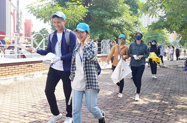 Hơn 1.000 bạn trẻ Hà Nội chung tay dọn dẹp các bãi rác tự phát - 4