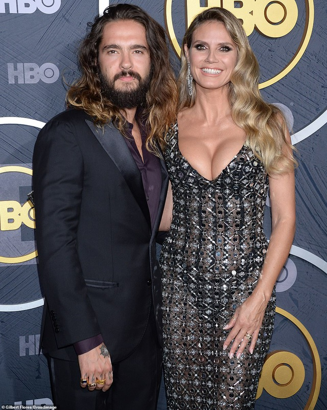 Heidi Klum khoe ngực nảy nở trong tiệc Emmy - 3