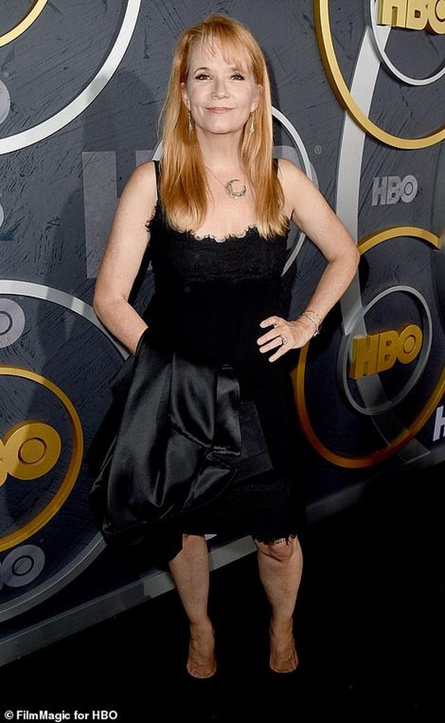 Heidi Klum khoe ngực nảy nở trong tiệc Emmy - 18