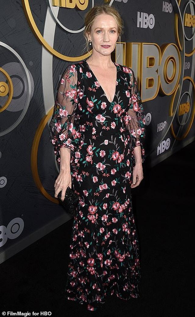 Heidi Klum khoe ngực nảy nở trong tiệc Emmy - 19