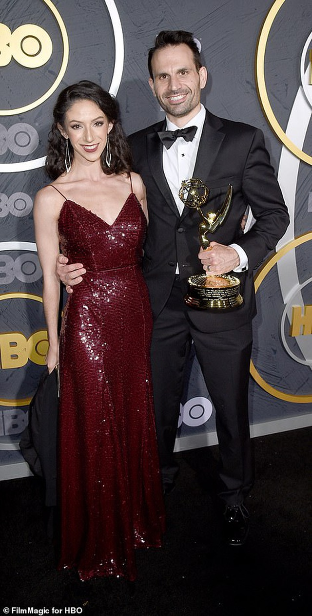 Heidi Klum khoe ngực nảy nở trong tiệc Emmy - 26