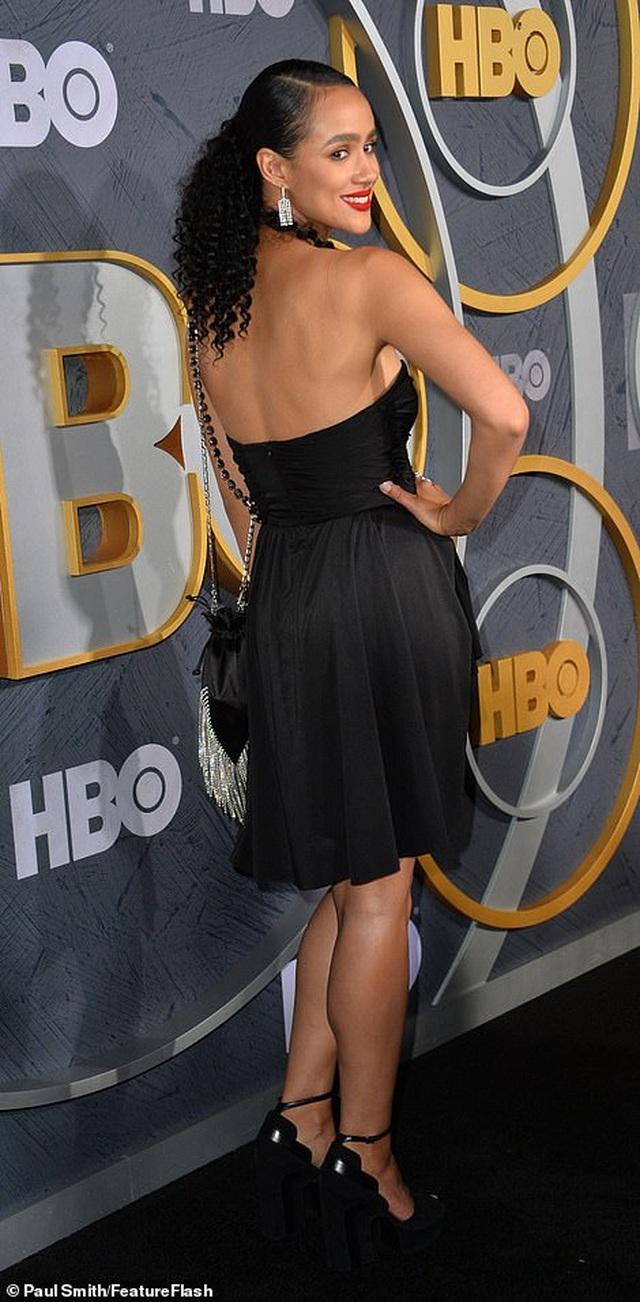 Heidi Klum khoe ngực nảy nở trong tiệc Emmy - 28