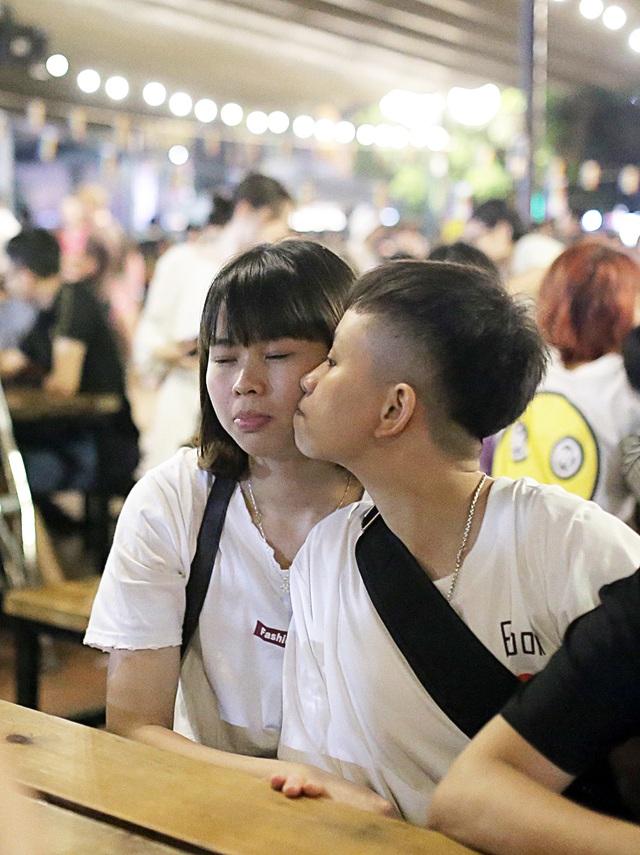 Hoa khôi chuyển giới tiếp lửa cộng đồng LGBT trong Ngày hội tự hào - 6
