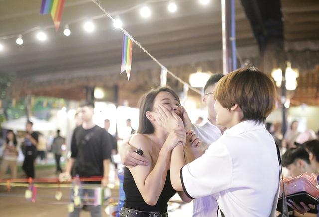 Hoa khôi chuyển giới tiếp lửa cộng đồng LGBT trong Ngày hội tự hào - 7