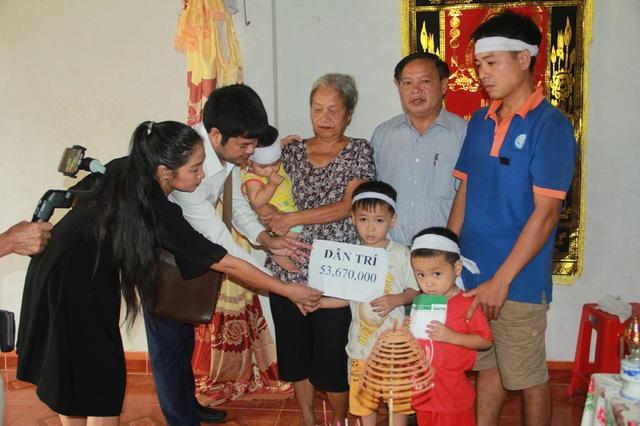 3 đứa trẻ mất mẹ đúng ngày giỗ ông được bạn đọc giúp đỡ hơn 150 triệu đồng - 1