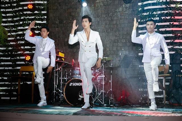 Huỳnh Gia Đạt tổ chức thành công tour minishow đầu tiên - 3