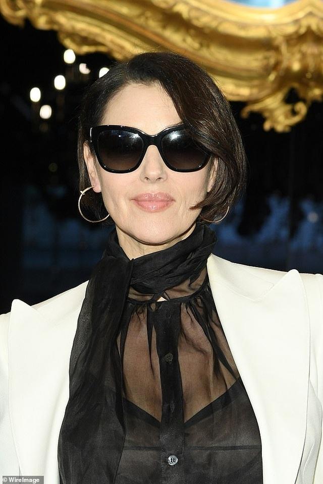 Sofia Vergara bốc lửa đi xem thời trang - 6