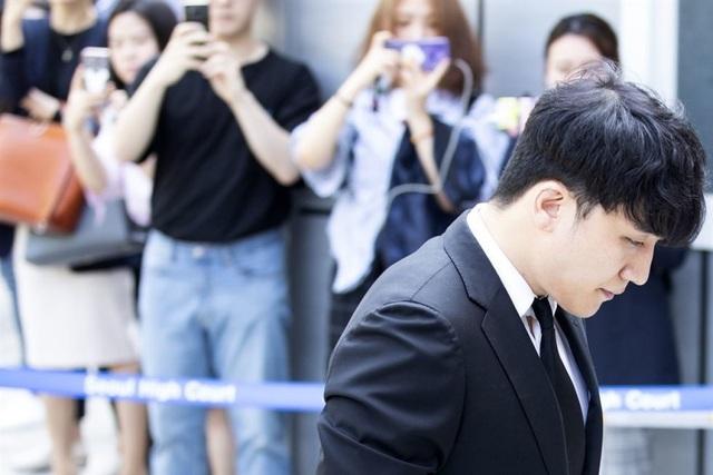 Seungri đề nghị được lùi ngày thẩm vấn vì tội đánh bạc  - 2