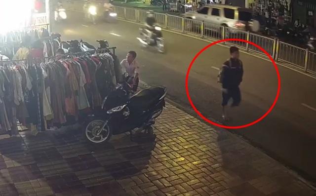Truy tìm nam thanh niên giết tài xế xe ôm cướp tài sản - 1