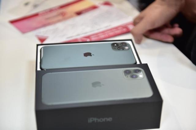iPhone 11 xách tay Mỹ, Hong Kong, Singapore... khác nhau thế nào mà giá chênh cả vài triệu đồng - 3