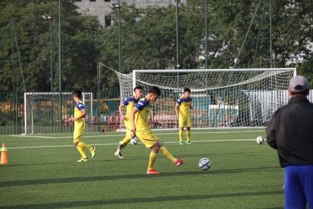 Sao U22 Việt Nam: Mặt sân nhân tạo sẽ ảnh hưởng đến các cầu thủ đang chấn thương - 2