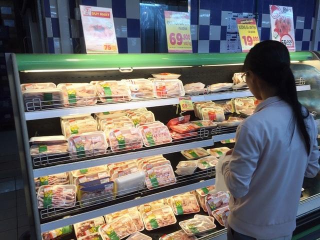 1 kg thịt gà giá bằng một bó rau: Cần phải cân đối lượng gà ngoại nhập? - 4