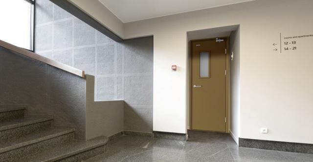 """Lựa chọn cửa gì để ngôi nhà của bạn """"an toàn"""" trước nguy cơ cháy nổ? - 1"""