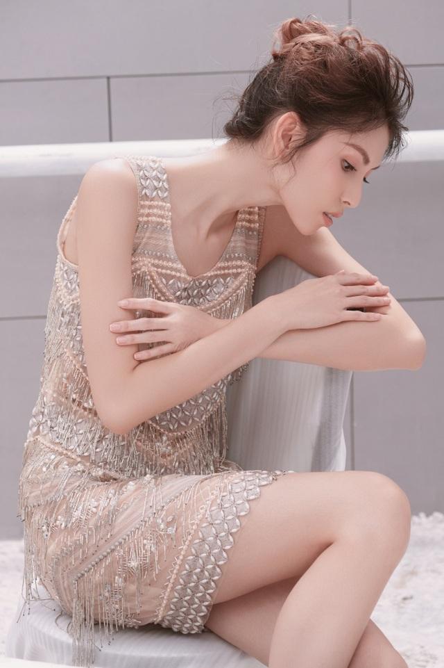 """Người mẫu Thuỳ Dương khoe thân hình """"mình hạc xương mai"""" - 8"""