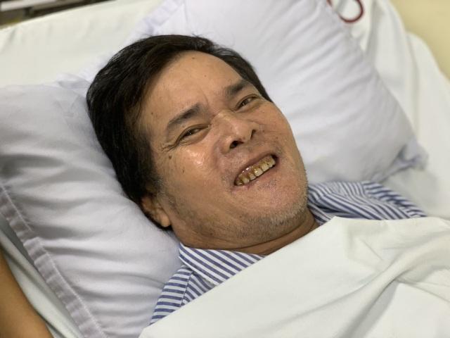 Hạnh phúc vỡ òa của người vợ ung thư trong ngày chồng ra viện - 1