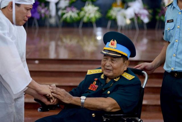 Phi công Nguyễn Văn Bảy: Quả cảm thời chiến, giản dị thời bình! - 6