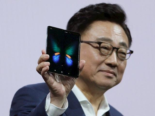 Chi phí thay màn hình cho Galaxy Fold có thể lên tới 14 triệu đồng - 2