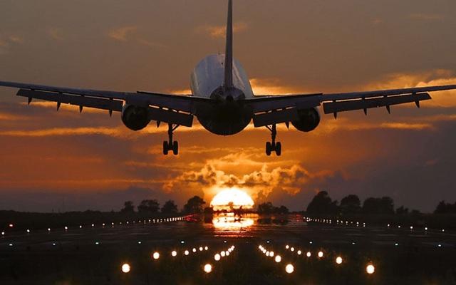 """Vietravel Airlines chờ cất cánh, cổ phiếu công ty mẹ bị """"tranh cướp"""" lúc lên sàn - 1"""