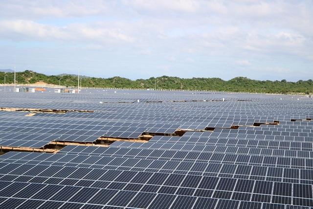 Áp dụng chung một giá mua điện mặt trời: Sẽ mất cân đối nghiêm trọng các dự án ở 3 miền - 2
