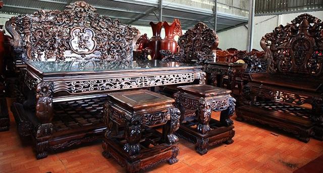 Gom gỗ mun suốt 7 năm rồi lấy lõi làm bộ bàn ghế giá chục tỷ đồng - 17