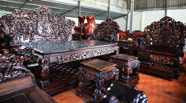 Gom gỗ mun suốt 7 năm rồi lấy lõi làm bộ bàn ghế giá chục tỷ đồng - 6