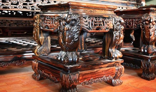 Gom gỗ mun suốt 7 năm rồi lấy lõi làm bộ bàn ghế giá chục tỷ đồng - 9