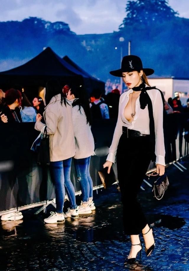 Kỳ Duyên buông lơi vòng một bốc lửa khi dự tuần lễ thời trang Paris - 9