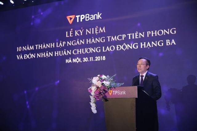Enterprise Asia trao tặng giải thưởng kép cho ông Đỗ Minh Phú và TPBank - 1