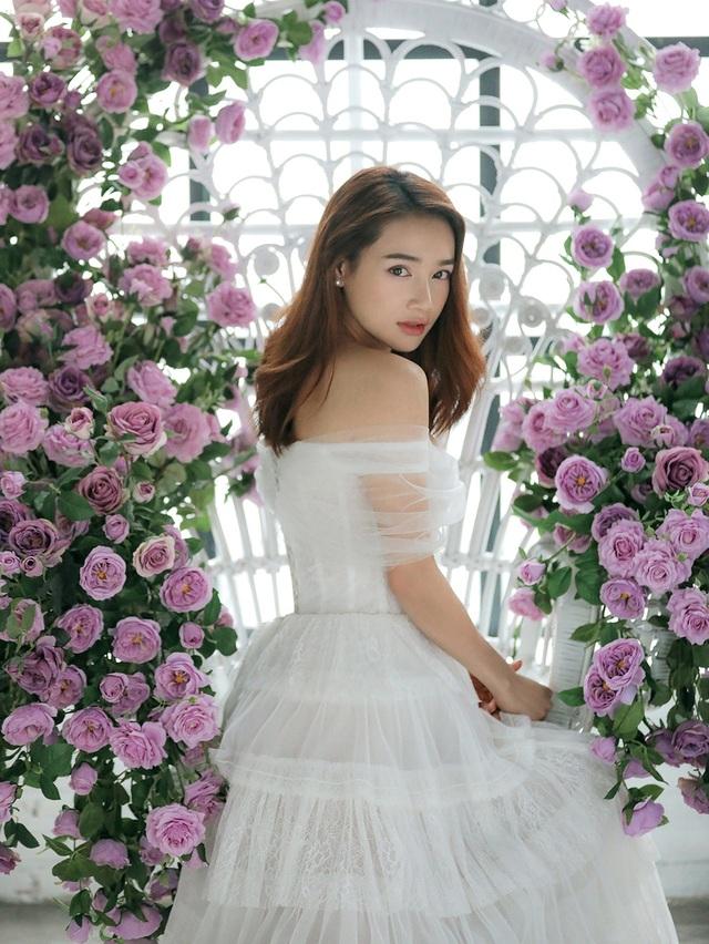 Kỉ niệm một năm ngày cưới, Nhã Phương tung ảnh mặc váy cưới… một mình - 10