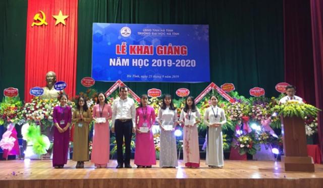 Trường Đại học Hà Tĩnh: Thu hút sinh viên bằng chất lượng đào tạo - 1
