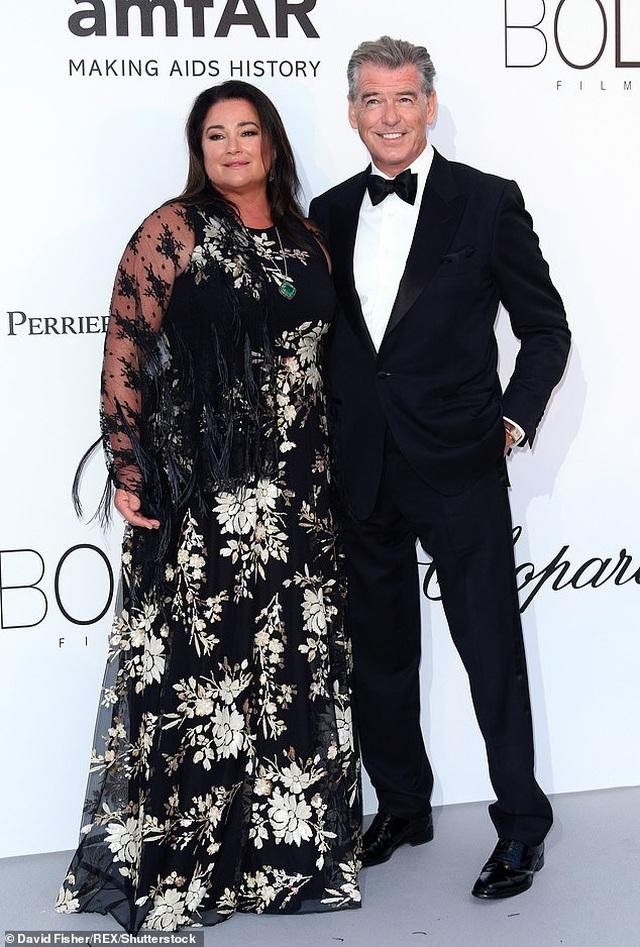 Cuộc sống của người con trai nghiện ngập bị tài tử Pierce Brosnan từ mặt - 8