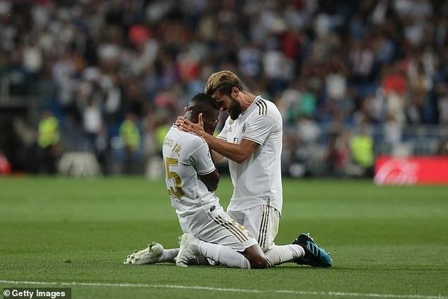 Đánh bại Osasuna, Real Madrid vươn lên dẫn đầu bảng La Liga - 3