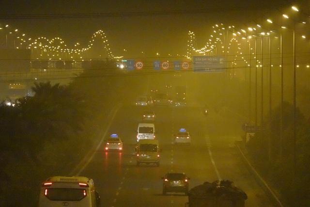 Hà Nội: Đường đi sân bay Nội Bài mù mịt khói rơm - 4