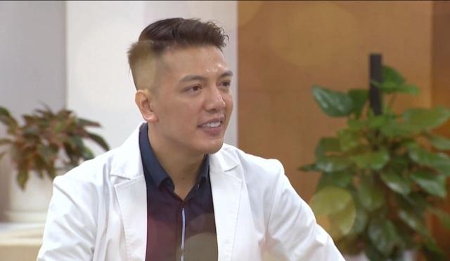 Bác sĩ thẩm mỹ hotboy lịch lãm đi chấm thi MrMiss- Gương mặt sinh viên 2019 - 3