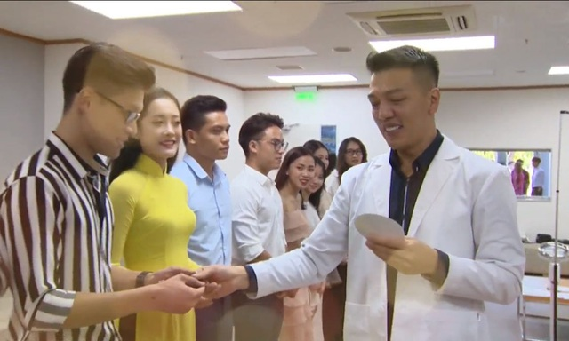 Bác sĩ thẩm mỹ hotboy lịch lãm đi chấm thi MrMiss- Gương mặt sinh viên 2019 - 5