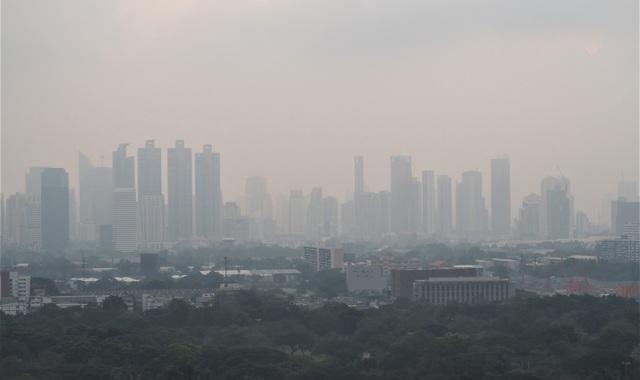 """Cần làm gì để bảo vệ sức khỏe khi sống ở những khu vực """"đỏ"""" về độ ô nhiễm không khí? - 1"""