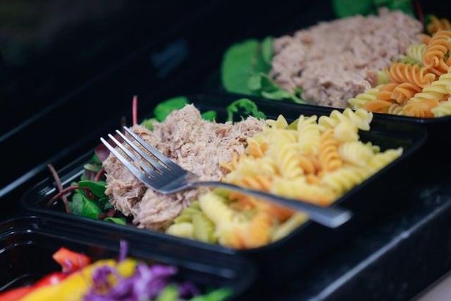 Cặp đôi giảm 95kg nhờ nấu 1 lần ăn cả tuần - 4