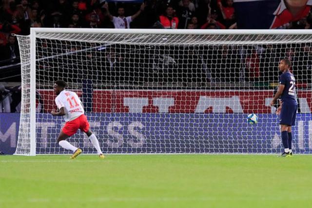 Neymar mờ nhạt, PSG bất ngờ thua sốc trước Reims ngay trên sân nhà - 4