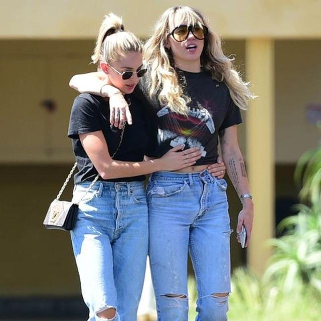 Miley Cyrus xuống cân, hốc hác sau khi chia tay chồng - 5