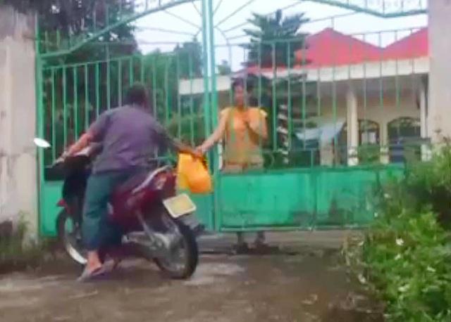 Chủ tịch Hà Nội: Xử lý nghiêm vụ ăn chặn hàng từ thiện ở trung tâm nhân đạo - 1