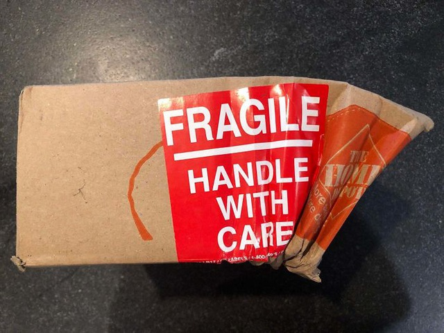 """Những tình huống shipper tắc trách khiến khách hàng """"dở khóc dở cười - 11"""