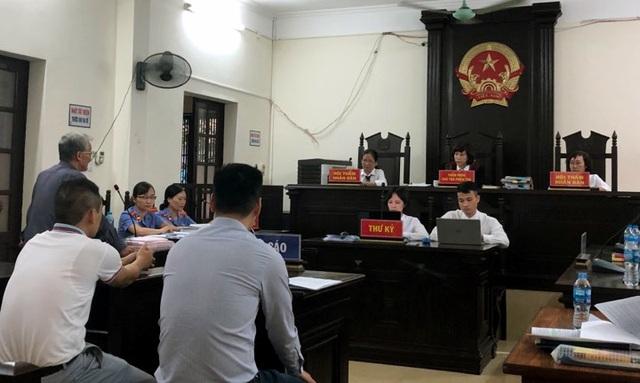 """Hà Nội: Hàng xóm """"dắt nhau"""" ra tòa chỉ vì chiếc công tơ điện - 2"""