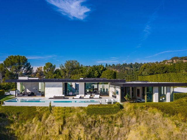Tăng gần 500 tỷ đồng chỉ sau vài tháng, ngôi nhà có giá bằng cả một làng có gì? - 1