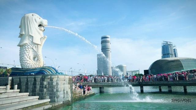 Hé lộ những điều bí mật ít biết về tượng sư tử biển nổi tiếng Singapore - 1