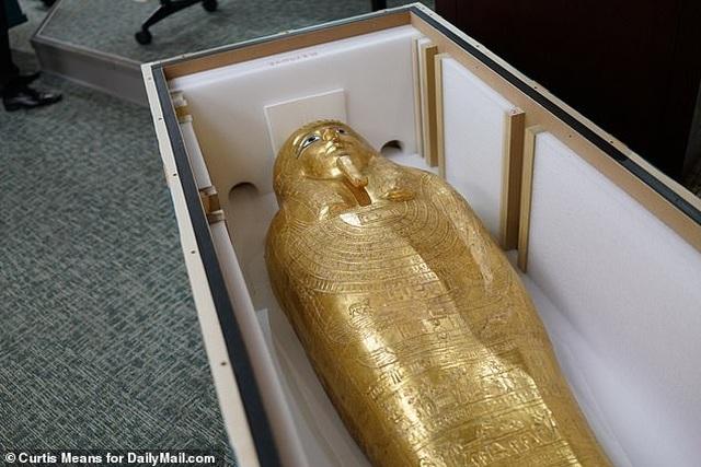 Quách vàng trị giá 4 triệu USD được trả lại cho Ai Cập sau khi bị đánh cắp - 5