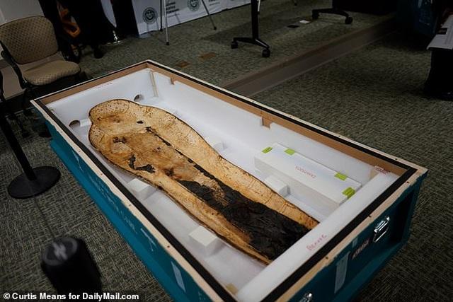 Quách vàng trị giá 4 triệu USD được trả lại cho Ai Cập sau khi bị đánh cắp - 6