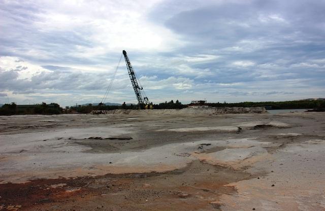 """Bình Định """"tuýt còi"""" dự án Thị Nại Eco Bay hút cát chưa phép - 5"""