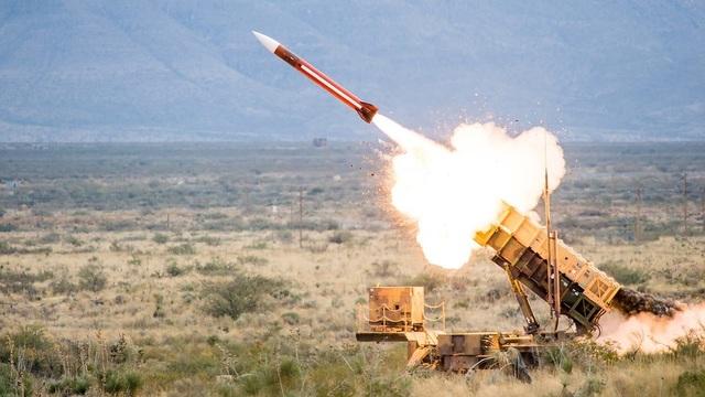 Mỹ đưa dàn khí tài quân sự tới Ả rập Xê út - 1